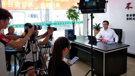 上海电视台对常来常往公司车小将品牌的采访
