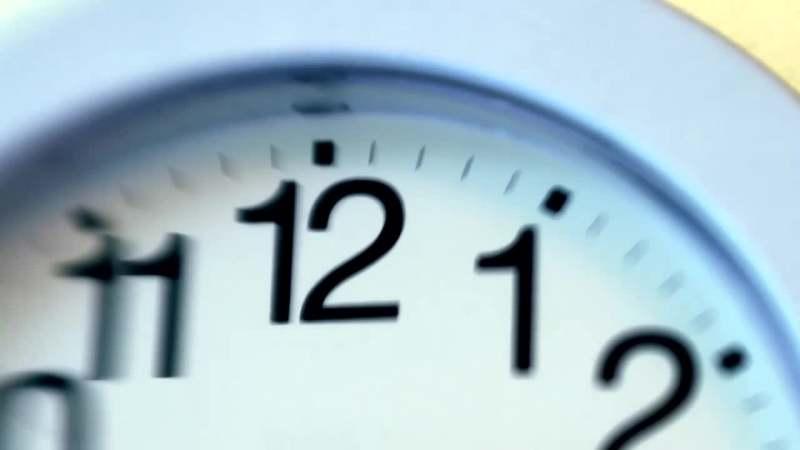 挂钟钟表指针分针秒针转动时间流逝珍惜时间高清视频素材背景led